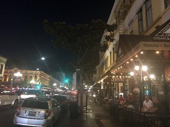 夜のサンディエゴの風景